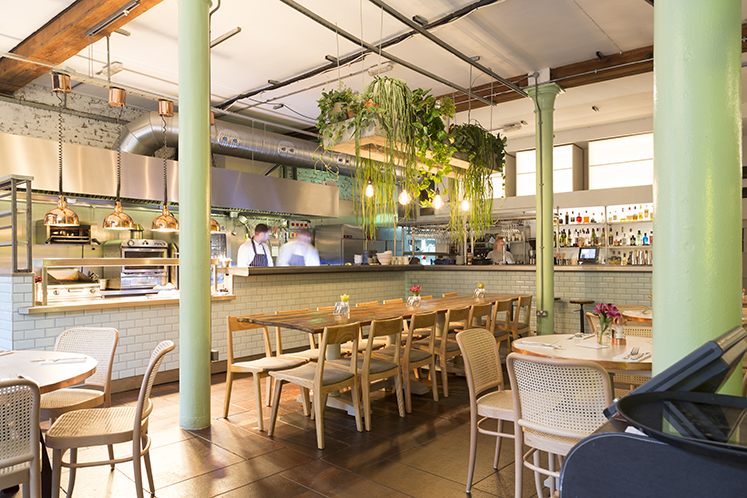Best breakfast spots in manchester, Evelyn's cafe and bar