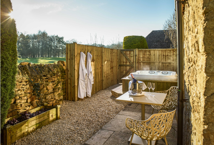 The best honeymoon hotel in the Cotswolds, England