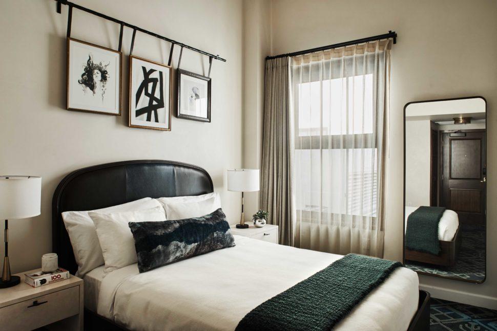 Classic queen bedroom, Hotel Figueroa, Los Angeles, California