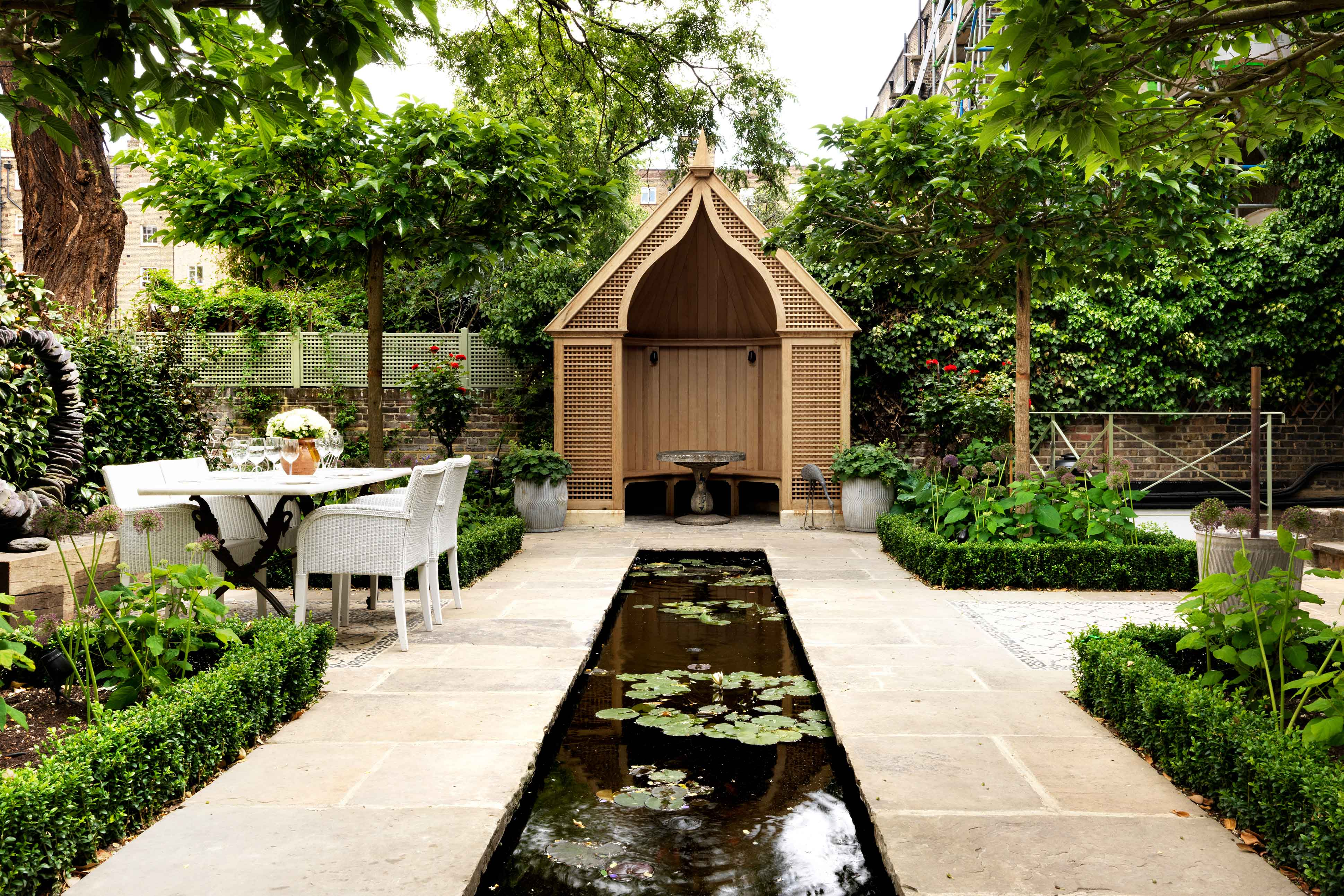 RHS Chelsea Flower Show | Number Sixteen, London | Mr & Mrs Smith