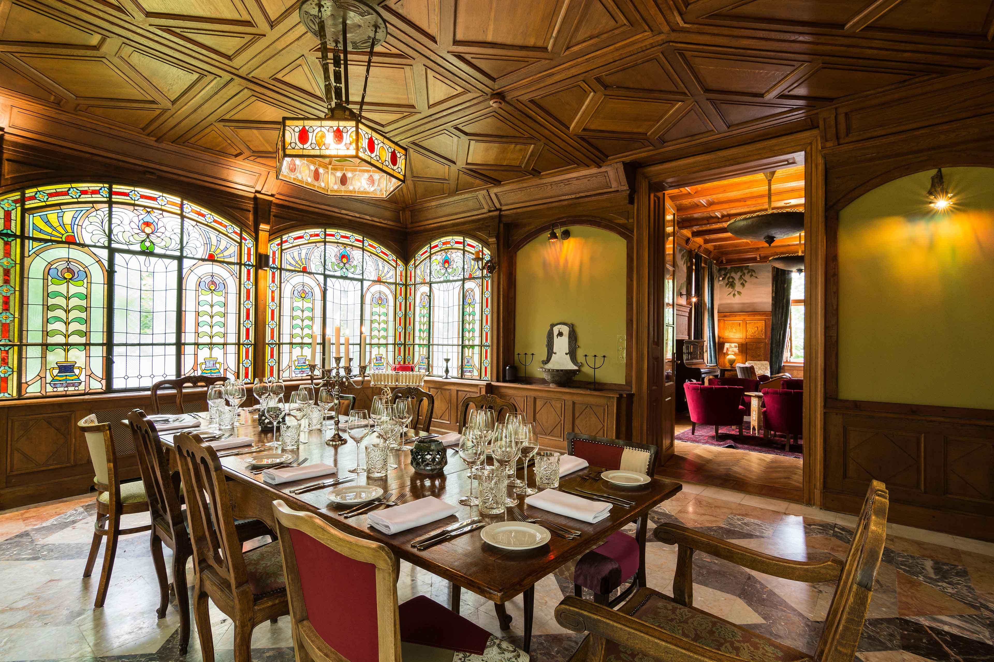 为汉普顿的客人提供了豪华的住宿和劳勃·史塔克,以及理查德·班纳特先生